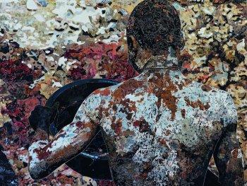 Marcel Odenbachs Collage zeigt einen afrikanischen Diamantenwäscher in Rückenansicht.