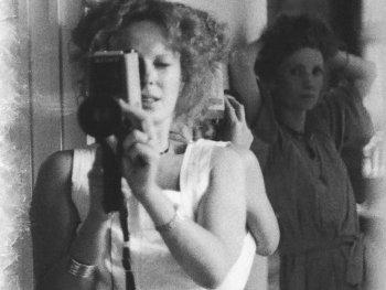 Filmszene aus DELPHINE AND CAROL