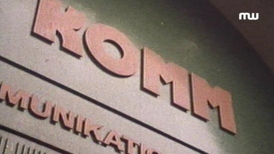 Filmszene aus VÖLLIG AUSGELIEFERT - DIE KOMM MASSENVERHAFTUNGEN - BETRACHTUNG NACH 30 JAHREN
