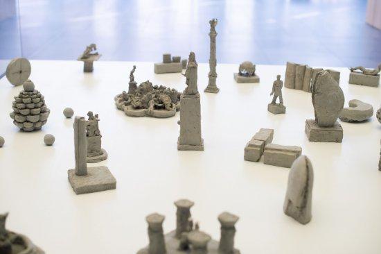 Installation aus verschiedenen Nürnberger Denkmäldern und Brunnen