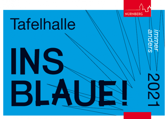 """Auf blauen Grund steht der Titel der Veranstaltung """"Ins Blaue!""""."""