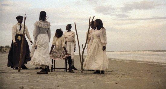 Filmszene aus DAUGHTERS OF THE DUST